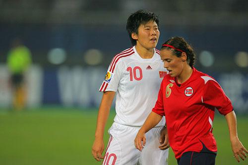 图文:[世界杯]中国0-1挪威 马晓旭有点无奈