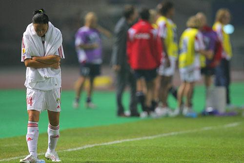 图文:[世界杯]中国0-1挪威 老将难以释怀