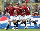 图文:意甲罗马2-2尤文 红狼疯狂庆祝托蒂进球