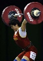 图文:世锦赛女子69公斤级 刘春红在抓举较量中