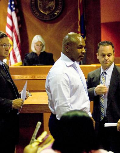 9月24日,前世界拳王泰森在亚利桑那州梅莎的一个法院出庭受审。