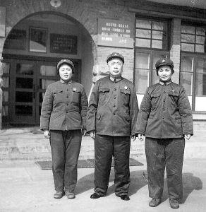 陈毅、张茜和女儿丛军在石家庄合影