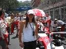 图文:捕捉赛场下的美丽伊娃 F1赛场上留下倩影