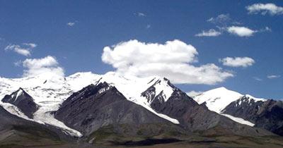 2000年玉珠峰山难搜索救援亲历记
