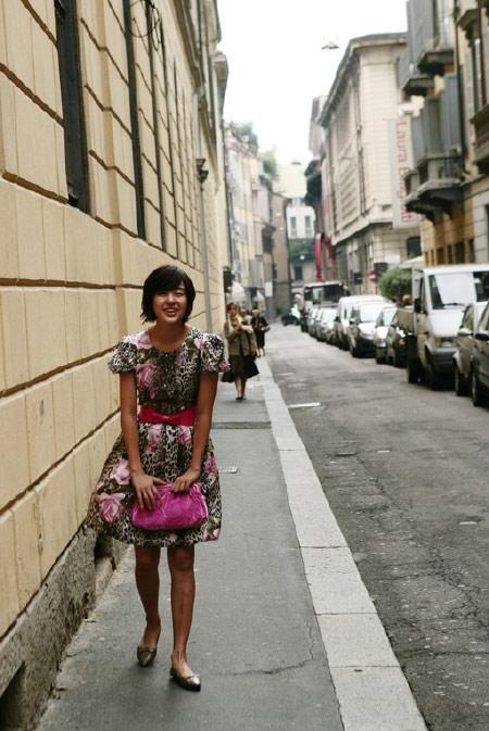 尹恩惠在米兰街头