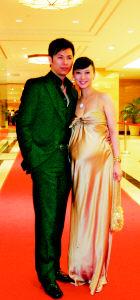 翁虹和老公亲密亮相