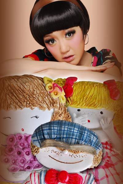 薛佳凝全新百变芭比娃娃造型