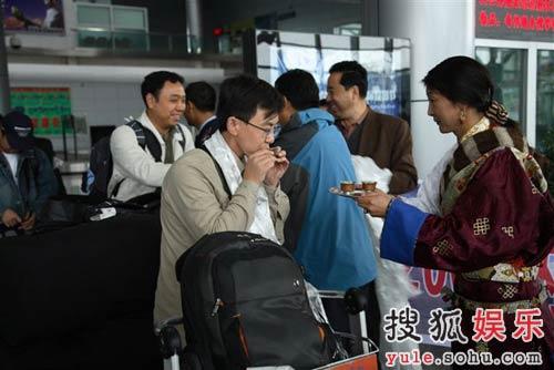 卞永涛到达西宁机场