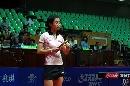 图文:女乒世界杯刘佳穿着裙装 若有所思