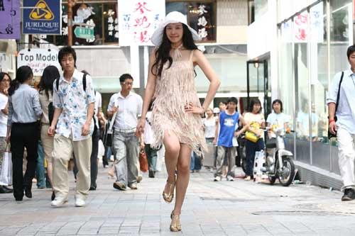 韩片《丑女大翻身》27日国内首映