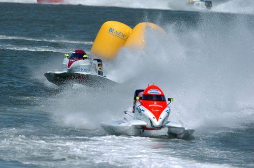 图文:[摩托艇]2007赛季回顾 腾空而起
