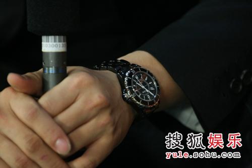 李俊基搜狐独家专访之细节篇— 细节之二-手表