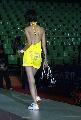 图文:女乒世界杯裙装展示 模特秀裸背球裙
