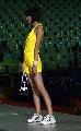 图文:女乒世界杯裙装展示 黄色球裙侧面风采