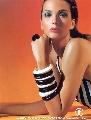 组图:佩贾希腊超级名模妻子 高贵典雅