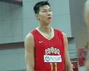 图文:中国男篮vs中央陆军 易建联上场