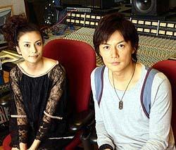 在录音室的福山和柴崎