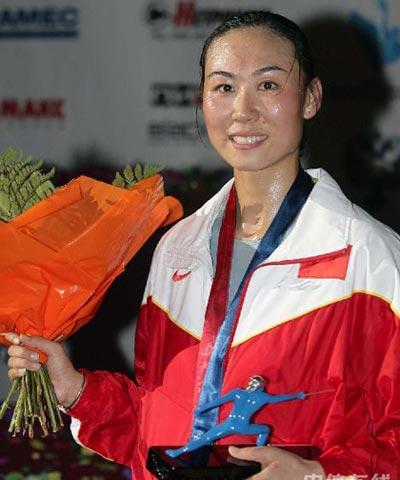 李娜夺世锦赛女重个人银牌