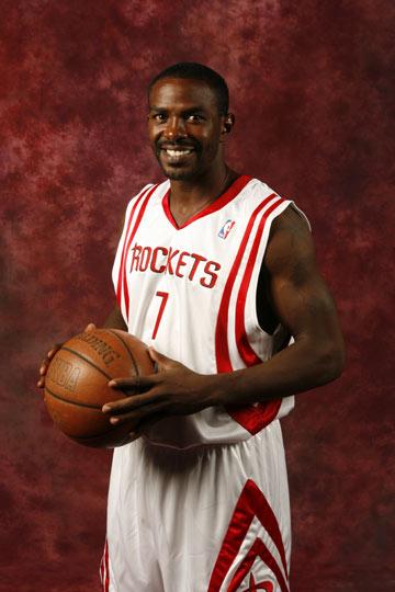 图文:[NBA]火箭媒体日了亮相 迈克-詹姆斯