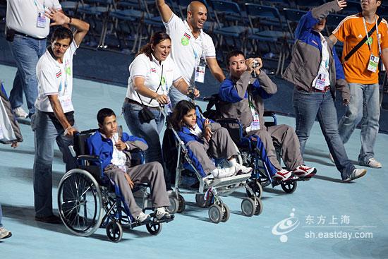 图文:世界夏季特奥会开幕式 特奥运动员入场