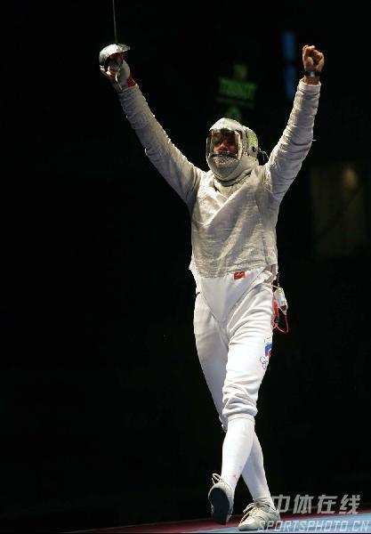 图文:男佩斯坦尼斯拉夫夺冠 冠军归来
