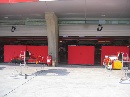 图文:[F1]各车队抵达上赛场 法拉利维修间