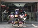 图文:[F1]各车队抵达上赛场 红牛车队