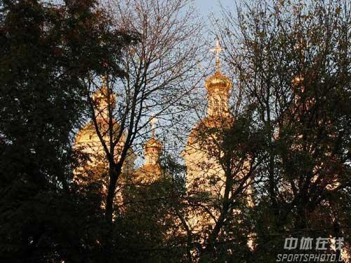 图文:圣彼得堡掠影 树林掩映大教堂
