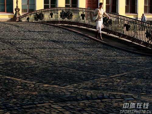 图文:圣彼得堡掠影 桥上佳人缓缓行