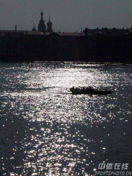 图文:圣彼得堡掠影 波光粼粼涅瓦河