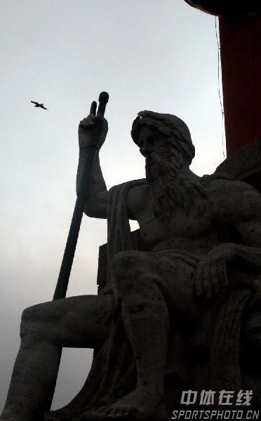 图文:圣彼得堡掠影 街头雕塑