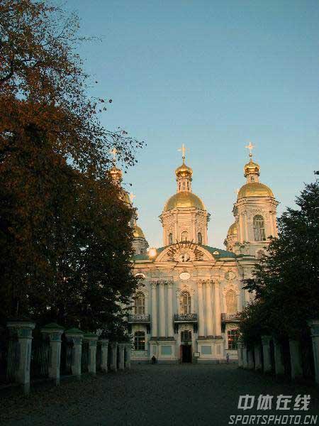 图文:圣彼得堡掠影 通往教堂小路
