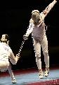 图文:[击剑]世锦赛男重半决赛 居高临下