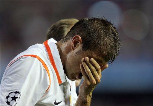 图文:[欧冠]瓦伦西亚1-2切尔西 华金留下泪水