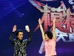 奥运冠军高敏和主持人李咏