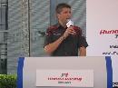 图文:[F1]本田车手走进校园 弗莱发表演讲