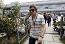 图文:[F1]车手抵达上赛场 阿隆索进入休息区