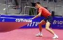 图文:乒乓世界杯中国首训 王励勤等待致命一击