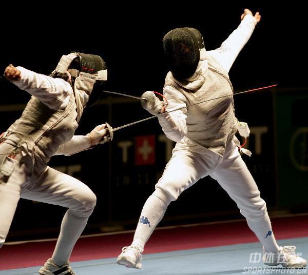 图文:世界击剑锦标赛 意大利剑手在花剑比赛中