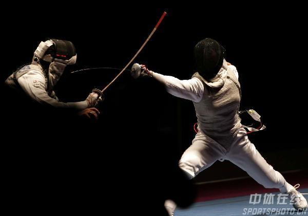 图文:击剑世锦赛女子花剑 玛格丽塔险胜进决赛