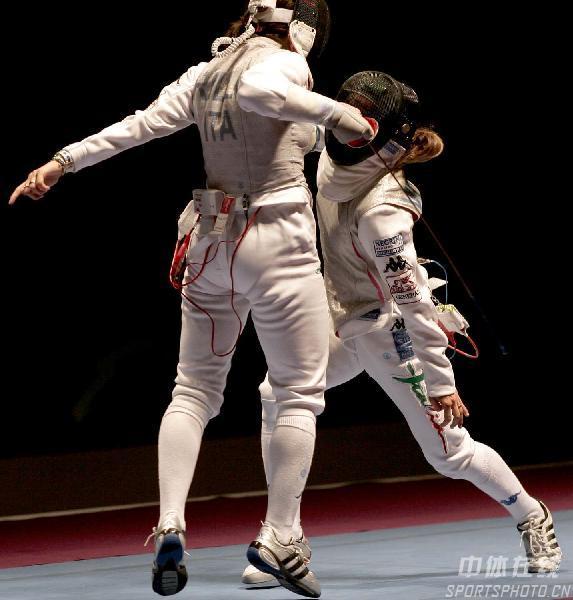 图文:2007年世界击剑锦标赛 意大利韦扎利得分