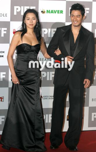 第12届釜山电影节开幕红毯— 朱镇模,朴诗妍