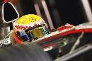 图文:F1中国站第一次练习赛 汉密尔顿整装待发