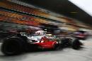 图文:F1中国站第一次练习赛 汉密尔顿风驰电掣