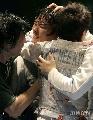 图文:[击剑]男花一剑憾负韩国 韩国队友拥抱