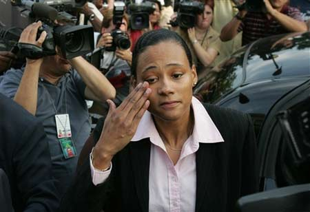 美国女飞人泪流满面,宣布从此退出田坛