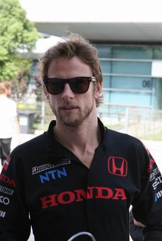 图文:[F1]中国站第三次练习 巴顿依旧很酷