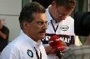 图文:[F1]中国大奖赛排位赛 泰森接受采访