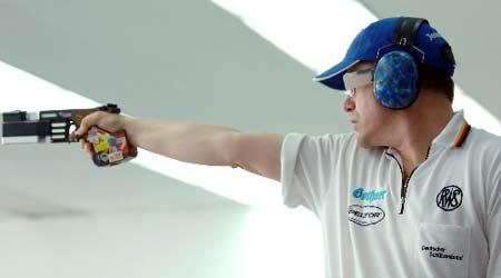图文:射击世界杯决赛 男25米手枪德国选手夺冠