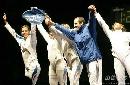 图文:[击剑]女重团体赛法国夺金 集体致谢